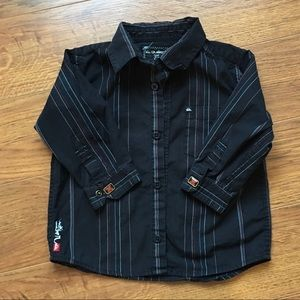4/30$ Quiksilver size 2 button down black shirt